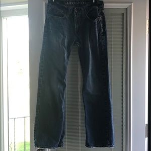 Men's American Eagle low rise boot jeans.